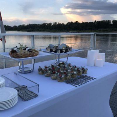 rejsy-dla-firm-po-wisle-warsawbyboat